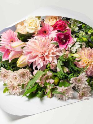 expressions-local-cambridge-hamilton-florist-delivery-pink-flower-bouquet