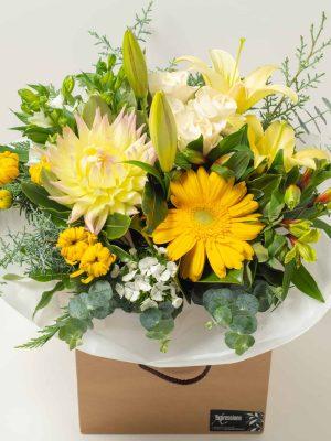 expressions-local-cambridge-hamilton-florist-delivery-vintage-yellow-flower-box-bouquet