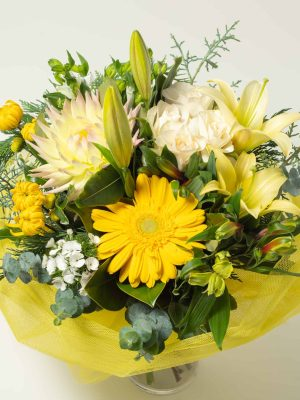 expressions-local-cambridge-hamilton-florist-delivery-yellow-posy-flower-bouquet