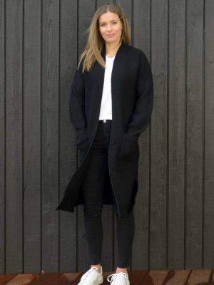 cardigan-black-longliner-model-fashion-hello-friday-expressions