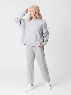 stella-gemma-sweater-ruffle-lexi-grey-SGSW8001-expressions-1