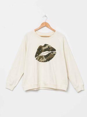stella-gemma-SGTS3097-alabaster-camo-lips-sweater-expressions
