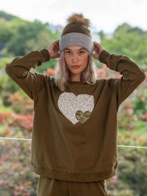 stella-gemma-SGTS3101-olive-heart-sweater-expressions-1