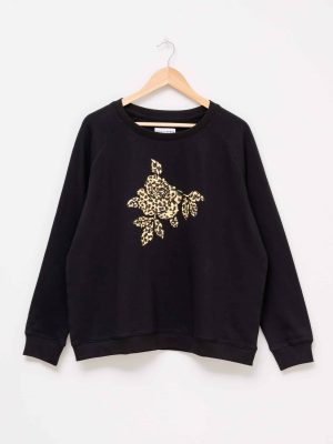stella-gemma-SGTS3152-clothing-leopard-flower-black-sweater-expressions